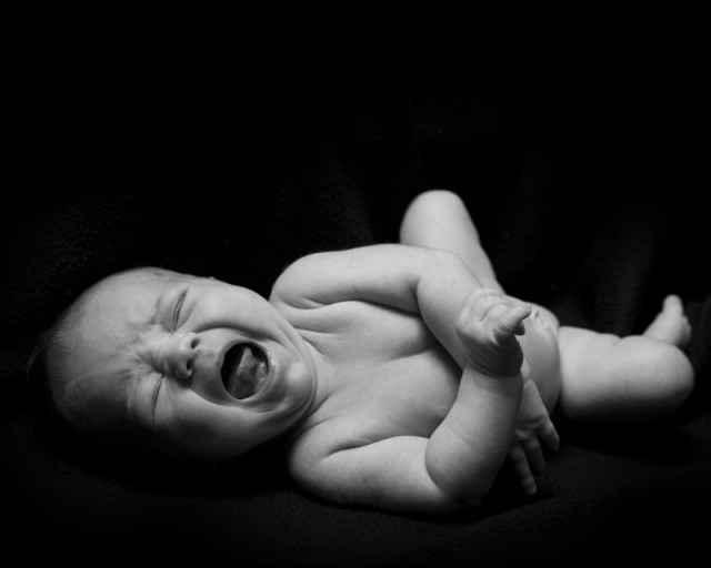 Cry it out (CIO) ή αλλιώς εκπαίδευση ύπνου: 10 λόγοι για να μην το κάνουμε