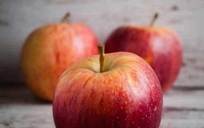 Ένα μήλο την ημέρα το γιατρό τον κάνει πέρα; Οι επιστήμονες εξέτασαν αν αληθεύει η παροιμία!