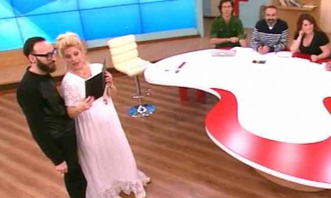 Η Ελένη αποκάλυψε on air ότι θέλει να αλλάξει χρώμα στα μαλλιά της