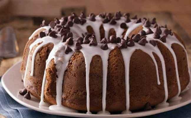 Κέικ σοκολάτας με λευκό γλάσο