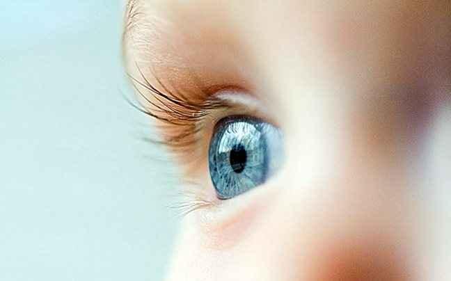 Νέα τεχνική κάνει τα καστανά μάτια... μπλε