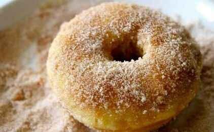 Ντόνατς με ζάχαρη και κανέλα