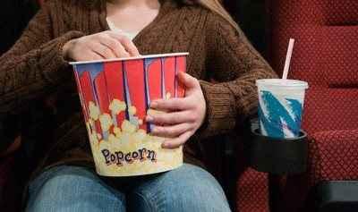Οι θλιβερές ταινίες… παχαίνουν
