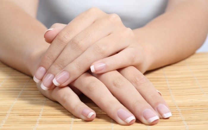 Ποια σημάδια στα νύχια πρέπει να σας ανησυχήσουν...