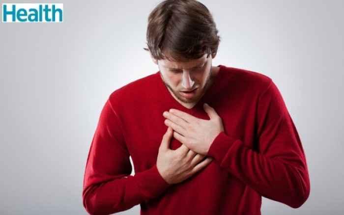 Πόνος στο στήθος: Πού οφείλεται εκτός από την καρδιά