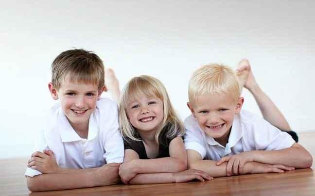 Πώς να ελαχιστοποιήσετε τον ανταγωνισμό μεταξύ των παιδιών σας