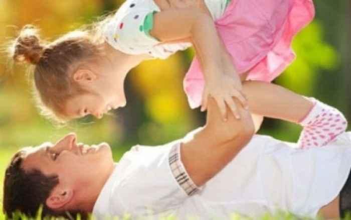 Τα παιδιά συμβουλεύουν: «Έτσι είναι ο τέλειος μπαμπάς!»