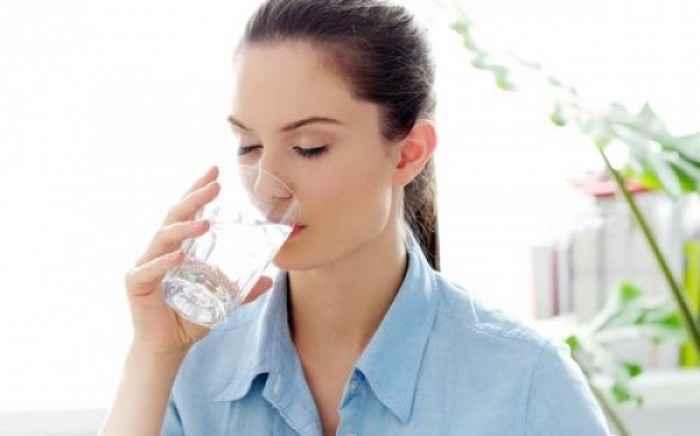 Τα πλεονεκτήματα του να πίνετε ζεστό νερό