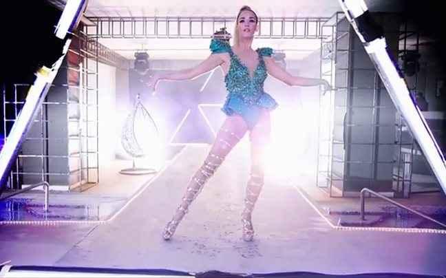 Το σέξι βίντεοκλιπ της Κατερίνας Στικούδη