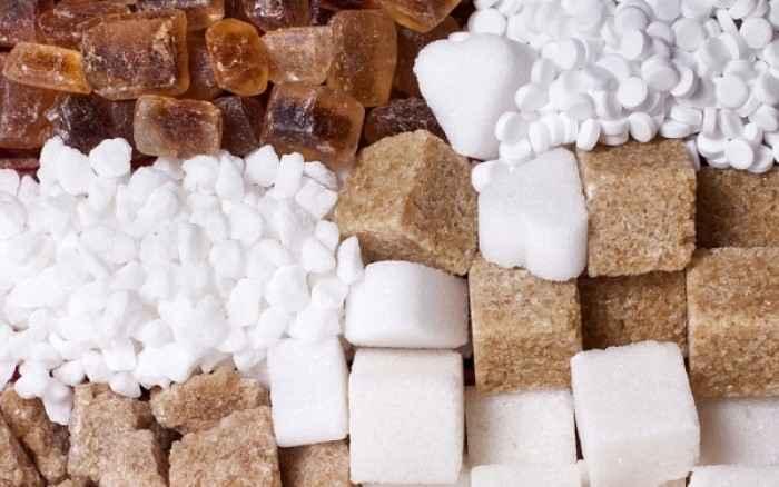 Λευκή, καστανή ή μαύρη ζάχαρη; Όσα θέλετε να ξέρετε
