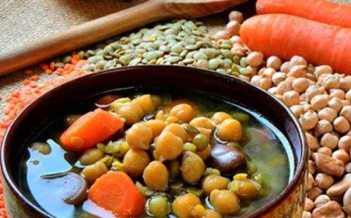 Πάσχα: Αυτές είναι οι τροφές που αντικαθιστούν το κρέας και τα γαλακτοκομικά