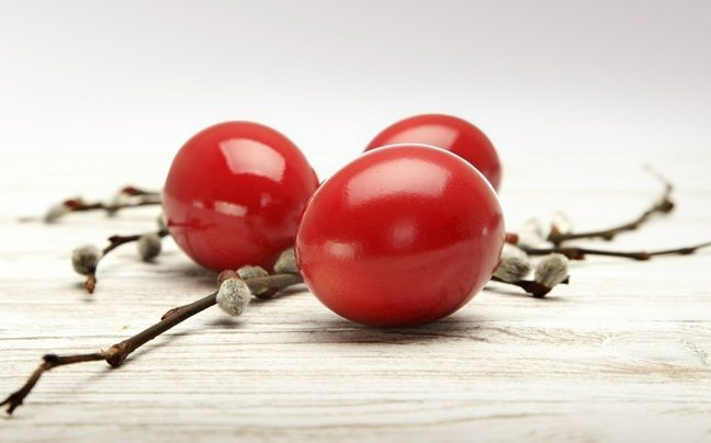 Πώς θα βάψετε κόκκινα αυγά