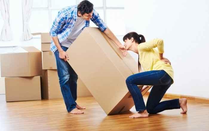 Πώς θα προστατεύσετε τη μέση σας όταν σηκώνετε βαριά αντικείμενα