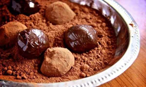 Συνταγή για τα πιο νόστιμα νηστίσιμα σοκολατένια τρουφάκια!