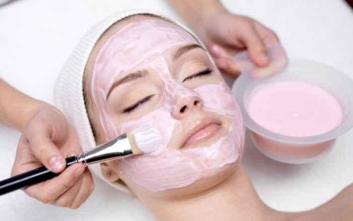 3 μάσκες με ροζ άργιλο και θα λάμψετε...