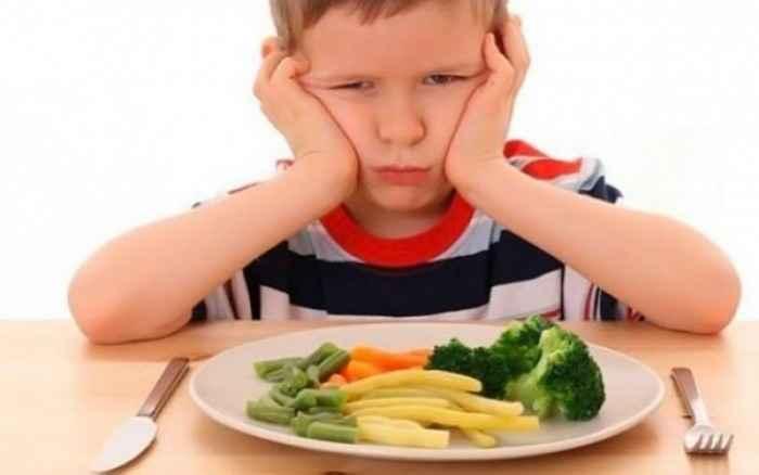 «Το παιδί μου δεν τρώει βραδινό» - Κι όμως υπάρχουν τρόποι να το φάει!