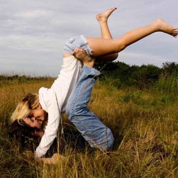Απλά και σίγουρα: 4 κόλπα να μην ξεκολλάει ο σύντροφός σου από σένα!