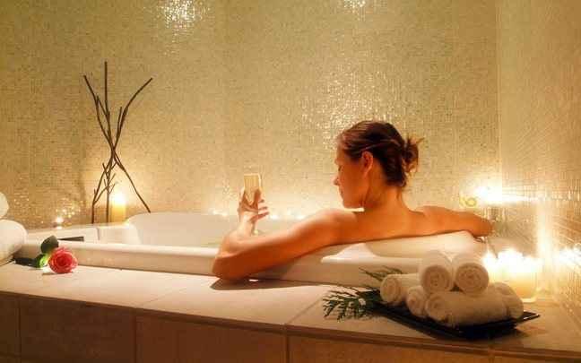 Απολαύστε ένα αρωματικό μπάνιο με ζάχαρη