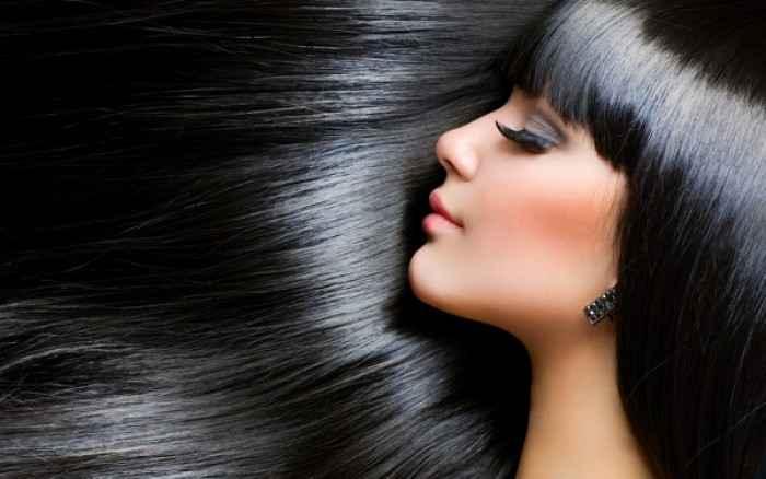 Δαφνέλαιο: Το beauty tip για λαμπερά μαλλιά