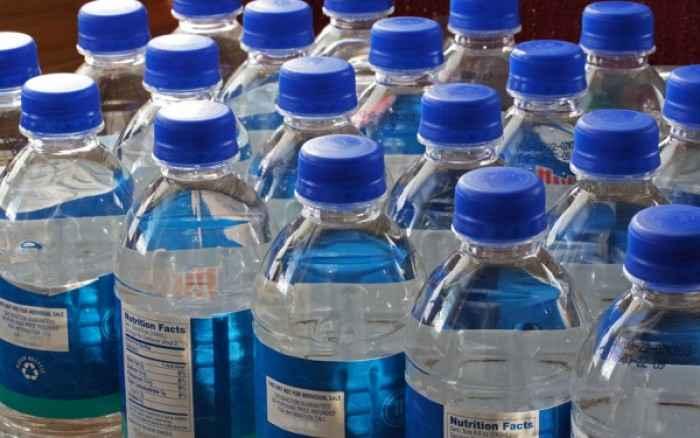 Εμφιαλωμένα νερά: Επιτραπέζιο, φυσικό μεταλλικό, νερό πηγής - Ποιο είναι το καλύτερο