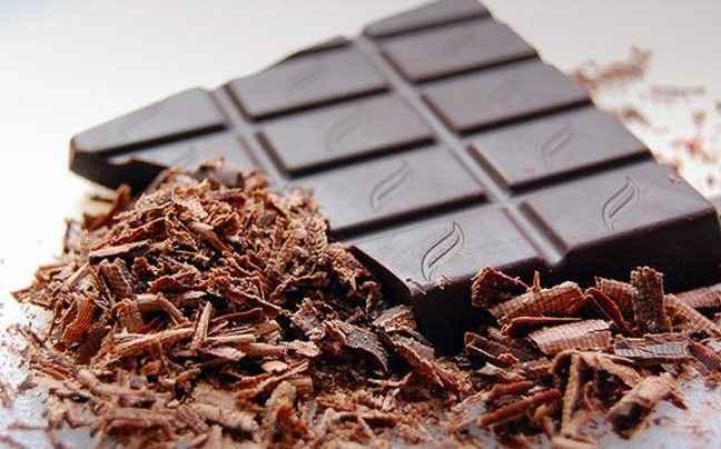 Η μαύρη σοκολάτα «ξυπνά» τον οργανισμό