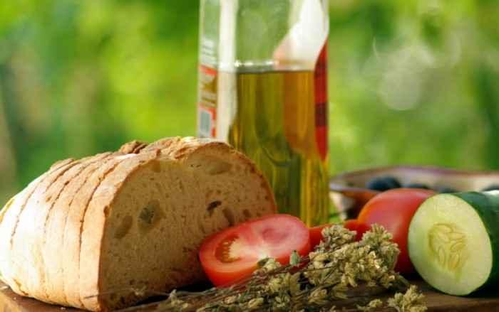 Η μεσογειακή διατροφή προστατεύει και από την απώλεια μνήμης