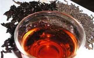 Μαύρο τσάι για… την καθαριότητα του σπιτιού