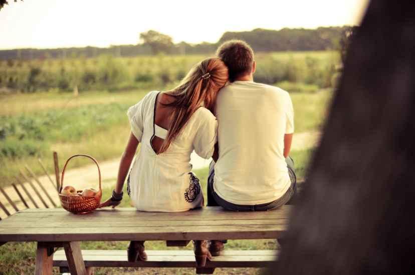 Τρεις φάσεις που δοκιμάζουν τις μακροχρόνιες σχέσεις