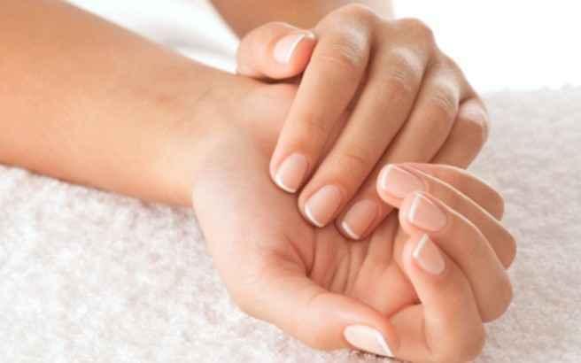 Βελούδινα χέρια με ελαιόλαδο και λεμόνι