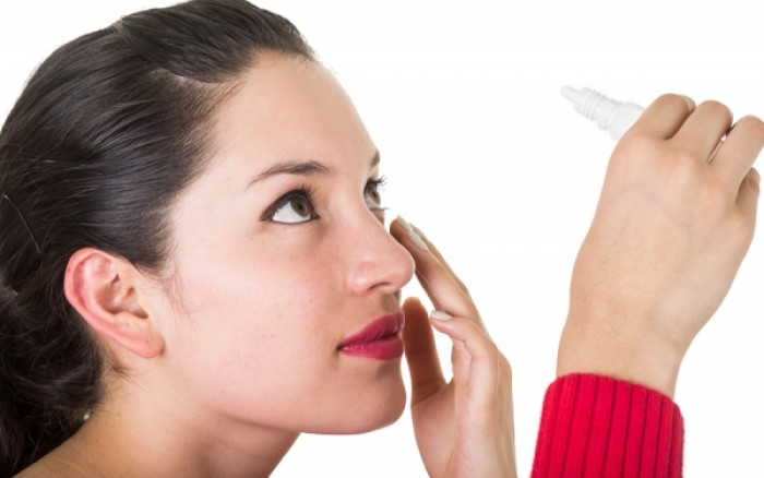 Βλεφαρίτιδα: Ποιο μικρόβιο την προκαλεί – Πώς αντιμετωπίζεται