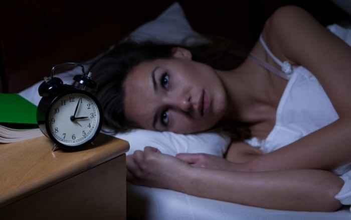 Γιατί οι γυναίκες κοιμούνται λιγότερο από τους άνδρες