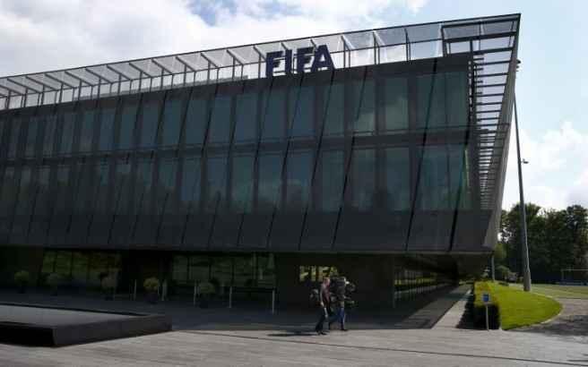 Η Ευρωβουλή καλεί τη FIFA να αντικαταστήσει άμεσα τον Μπλάτερ