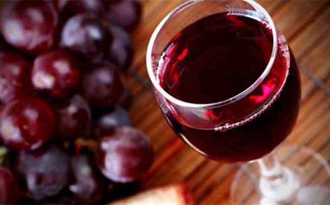 Καθαρισμός προσώπου με κρασί