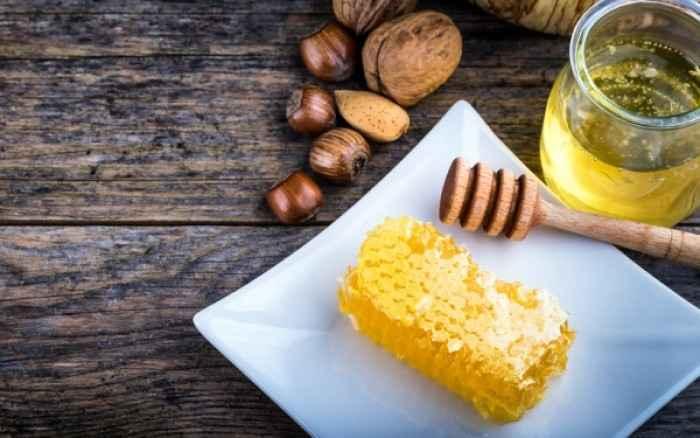 Μέλι: Το γλυκό φάρμακο και οι ...θαυματουργές ιδιότητές του