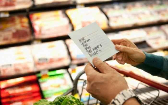 Πιο αδύνατοι όσοι ψωνίζουν στο σούπερ μάρκετ με λίστα
