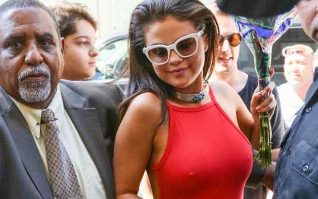 Πιο σέξι από ποτέ η νεαρή Selena Gomez