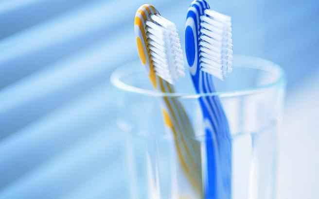 Πώς να καθαρίσετε τα μανιτάρια με μια οδοντόβουρτσα