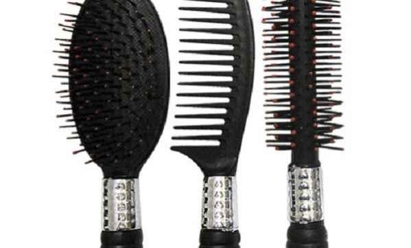 Σας ενδιαφέρει: Έτσι θα απολυμάνουμε και θα καθαρίσουμε τις βούρτσες των μαλλιών