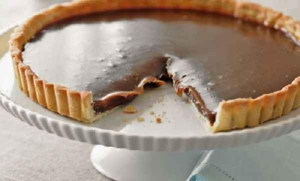 Συνταγή για γρήγορη τάρτα σοκολάτας με 4 υλικά!