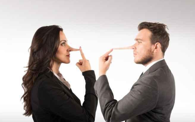 Τα 3 πιο συνηθισμένα ψέματα που λένε τα ζευγάρια μεταξύ τους