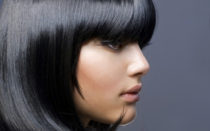 4 μυστικά για να απαλλαγείτε από τα λιπαρά μαλλιά