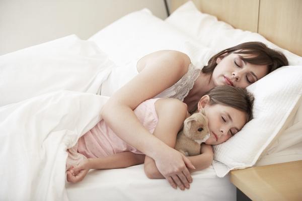 Ύπνος: Πώς θα μάθει το παιδί να κοιμάται μόνο του στο δωμάτιό του;