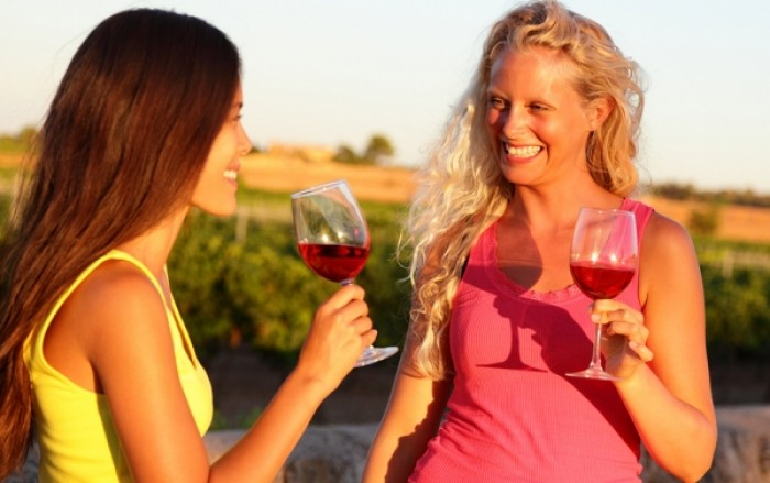 Αδυνατίστε πίνοντας κόκκινο κρασί!