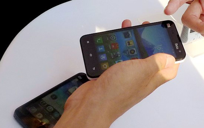 Οι καταναλωτές προτιμούν smartphones με οθόνη τουλάχιστον 5 ιντσών