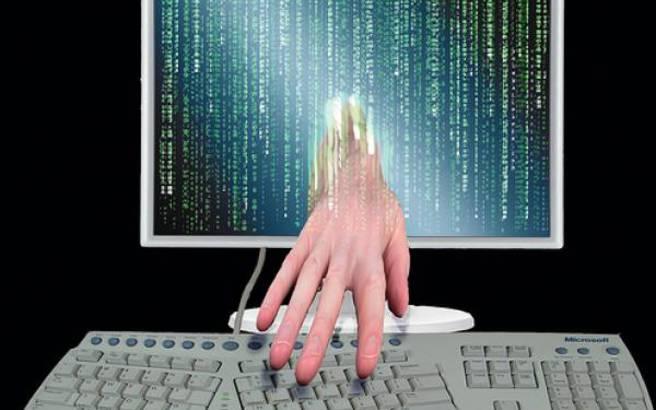 Ομάδα χάκερ απειλεί να βγάλει στη φόρα «τ' άπλυτα» παντρεμένων