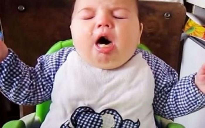 Πώς θα σώσετε ένα μωρό που πνίγεται! (βίντεο)