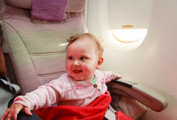 5 πράγματα που μπορείτε να κάνετε με τα παιδιά στο αεροπλάνο