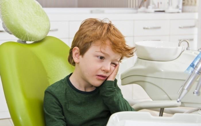 Έσπασε το δόντι του παιδιού: Τι πρέπει να κάνετε για να το σώσετε