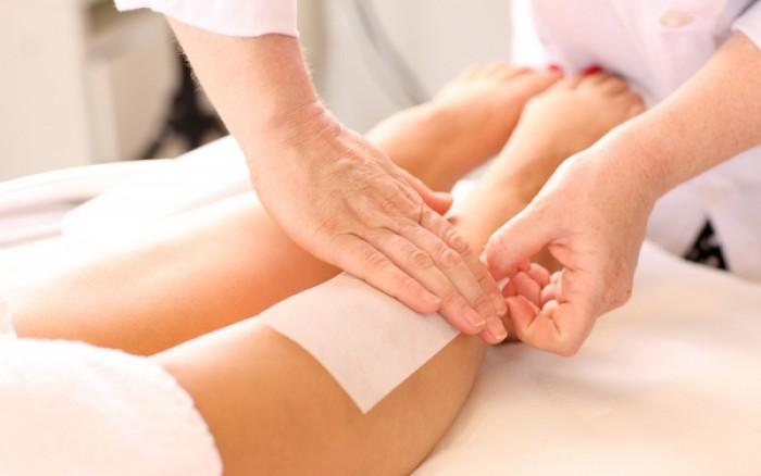 Αποτρίχωση με κερί: Tips για να αποφύγετε τον πόνο