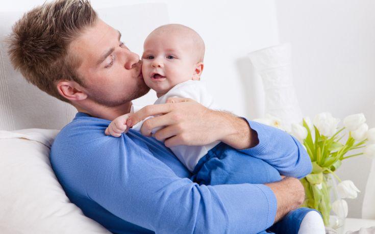 Η πατρότητα σε νεαρή ηλικία αυξάνει τον κίνδυνο πρόωρου θανάτου
